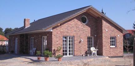 Einfacher Bungalow mit Terasse bauen in Winsen Aller, Celle und Hannover