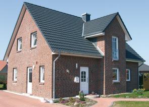 Zwerchgiebel mit Balkon bauen in Winsen Aller, Celle und Hannover